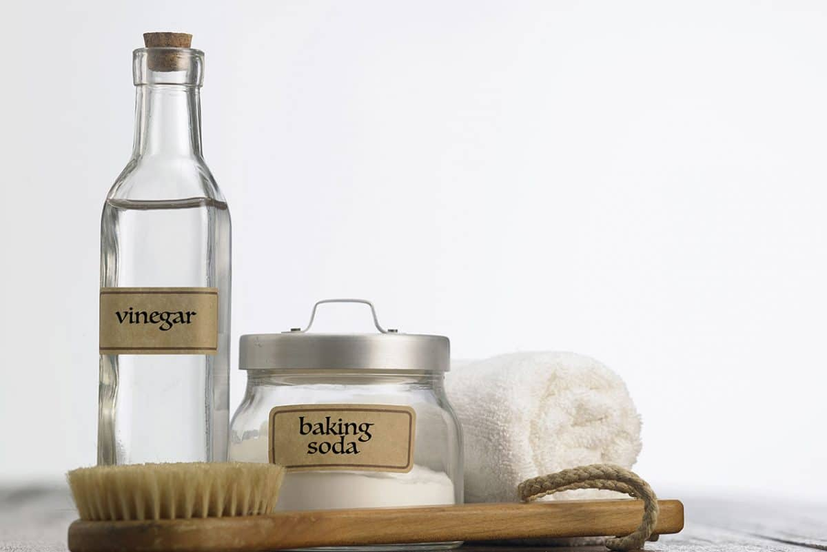 Vinegar baking soda, two natural cleaners you can use for house cleaning